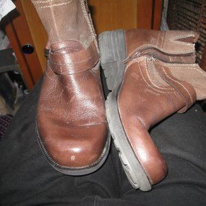 EARTH ORIGINS  NEW ZIP ANKLE BOOTS 7.5*FRESHIP